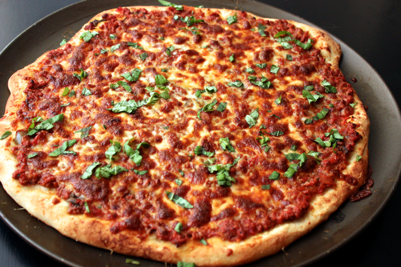 Meat sauce pizza